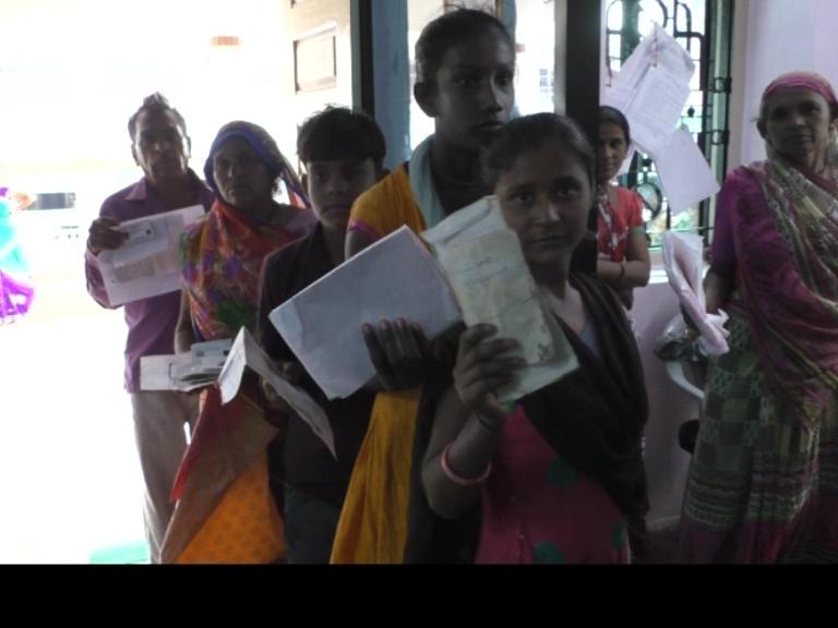 આયુષ્માન ભારત યોજના અંતર્ગત લાભાર્થીઓને ગોલ્ડન કાર્ડ કાઢી આપવામાં આવ્યા