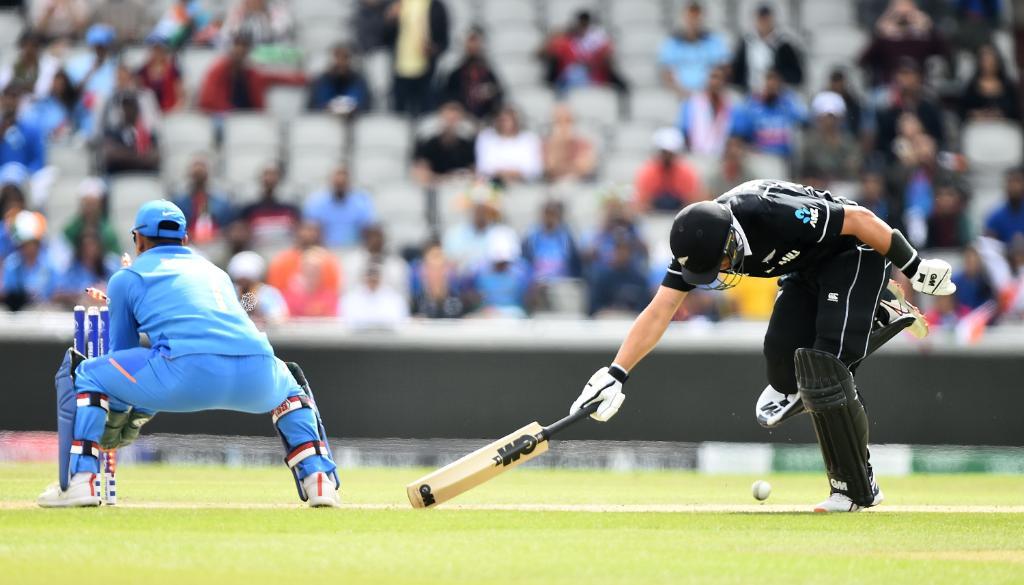 ભારત Vs ન્યૂઝીલેન્ડ સેમીફાઈનલઃ 6 વિકેટ બાદ હાલમાં ધોની-જાડેજાની સાઝેદારી