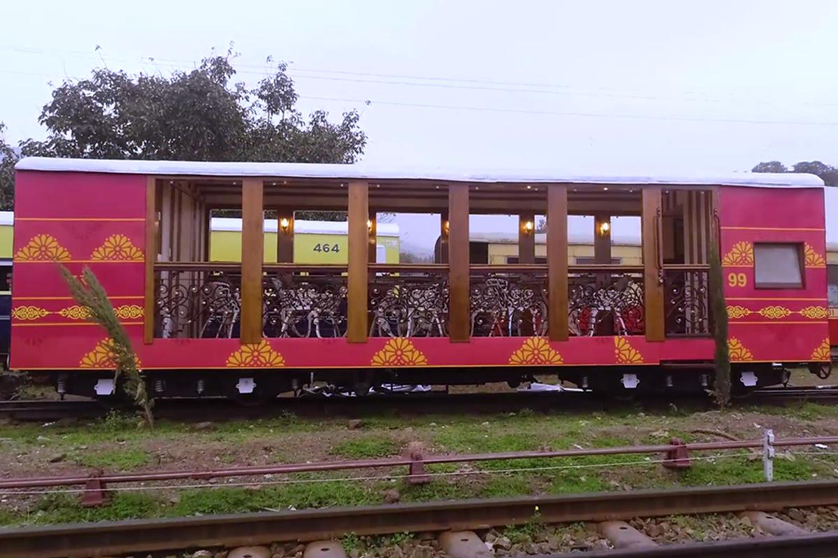 મેક ઈન ઈન્ડિયા-દેશની પ્રથમ ઓપન એર રેસ્ટોરન્ટ ટ્રેન