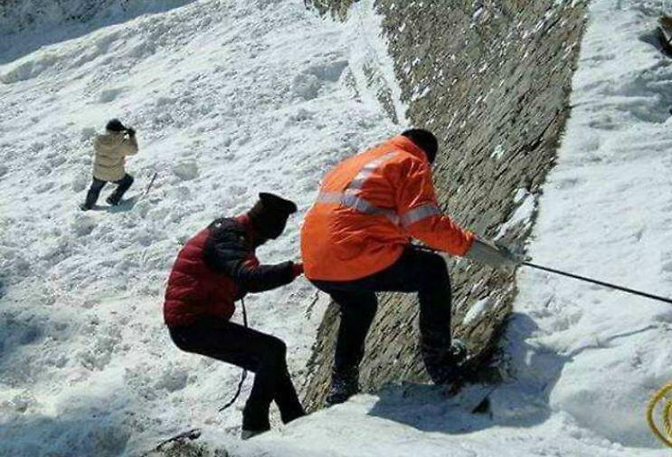 જમ્મુ કાશ્મીરના માછિલ સેક્ટરમાં હિમસ્ખલનમાં ત્રણ જવાનો શહીદ